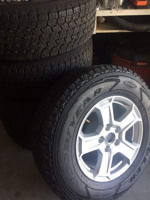 JEEP WRANGLER SET OF 5 wheels for Sale in Las Vegas, NV