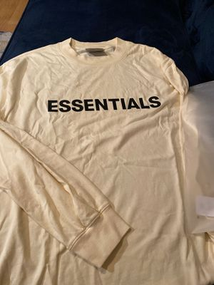 FOG- Fear of God Essentials Tee (Cream XL) for Sale in Chicago, IL