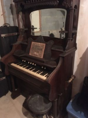 Antique Pump Organ made by Shipman Organ Company in High Point, NC for Sale in Chapel Hill, NC