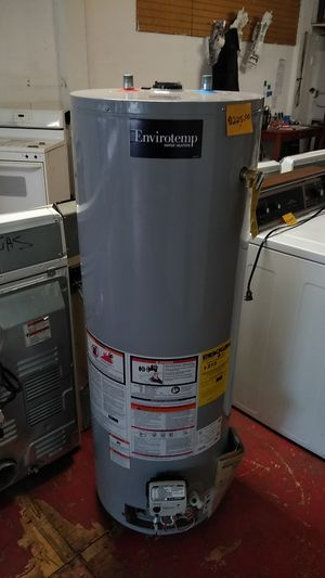 Envirotemp 40 gallons gas water heater for Sale in Cleveland, OH