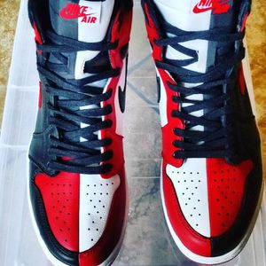 """Jordan Retro 1 """"Homage To Home"""" Chicago Size 11 Excellent Condition for Sale in Sloan, NV"""