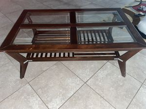 Coffee table for Sale in Cypress Gardens, FL