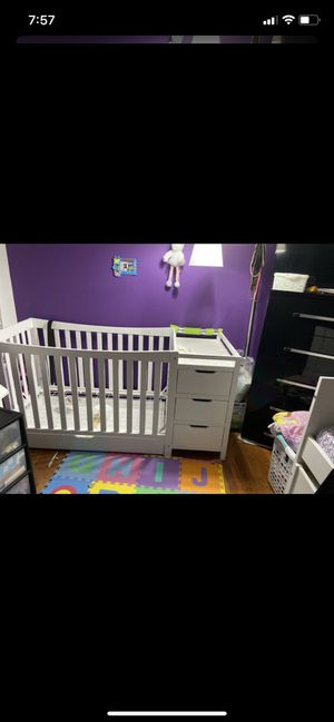 Baby crib with drawers and changing table for Sale in Trappe, PA