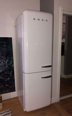 SMEG 50s style retro Refrigerator/Bottom Freezer (Left hinge) 11.7 cubic feet for Sale in Los Angeles, CA