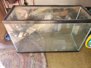 29g fish tank for Sale in Hutchinson, KS