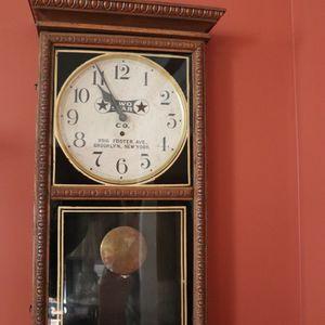 Sessions Clock Co FORESTVILLE OAKCASE WALL for Sale in Warrenton, VA