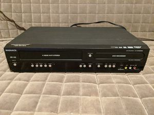 Magnavox VHS / DVD player and recorder for Sale in Norwalk, CA
