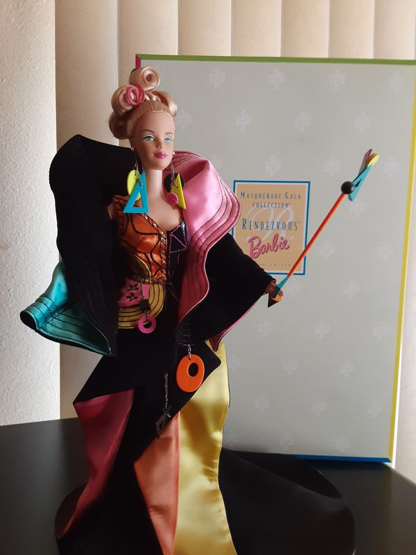 RENDEZVOUS BARBIE DOLL MASQUERADE GALA COLLECTION 1998