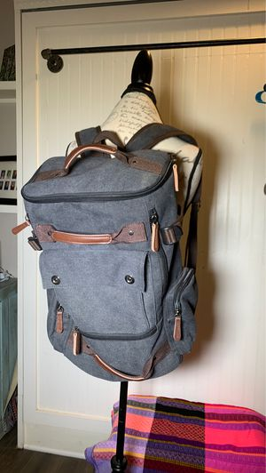 """17"""" canvas backpack for Sale in Bakersfield, CA"""