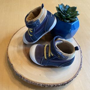 Stride Rite: Soft Motion Danny Sneaker for Sale in Brandon, MS