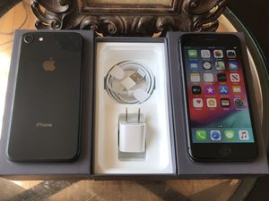 IPHONE 8 256GB FACTORY UNLOCKED EXCELLENT CONDITION for Sale in Lincolnwood, IL