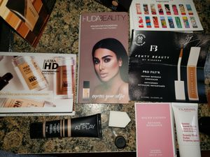 NEW SEALED, 14 Piece Posh Beauty Sampler Deluxe Sizes for Sale in Perth Amboy, NJ