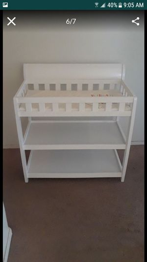 Delta Children Infant Changing Table with Pad, White for Sale in El Mirage, AZ