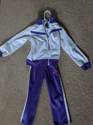 Toddler Nike Track suit for Sale in Wheaton, IL