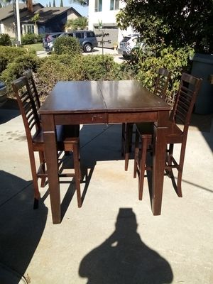 Dinning table for Sale in Vista, CA