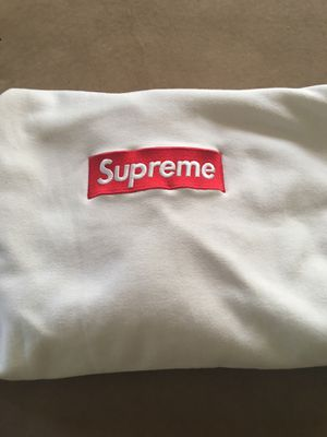 Supreme box logo hoodie for Sale in Valley View, OH