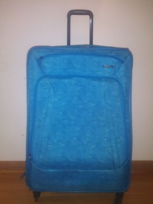 """American Tourists 29"""" Expandable luggage lightweight for Sale in West Chicago, IL"""