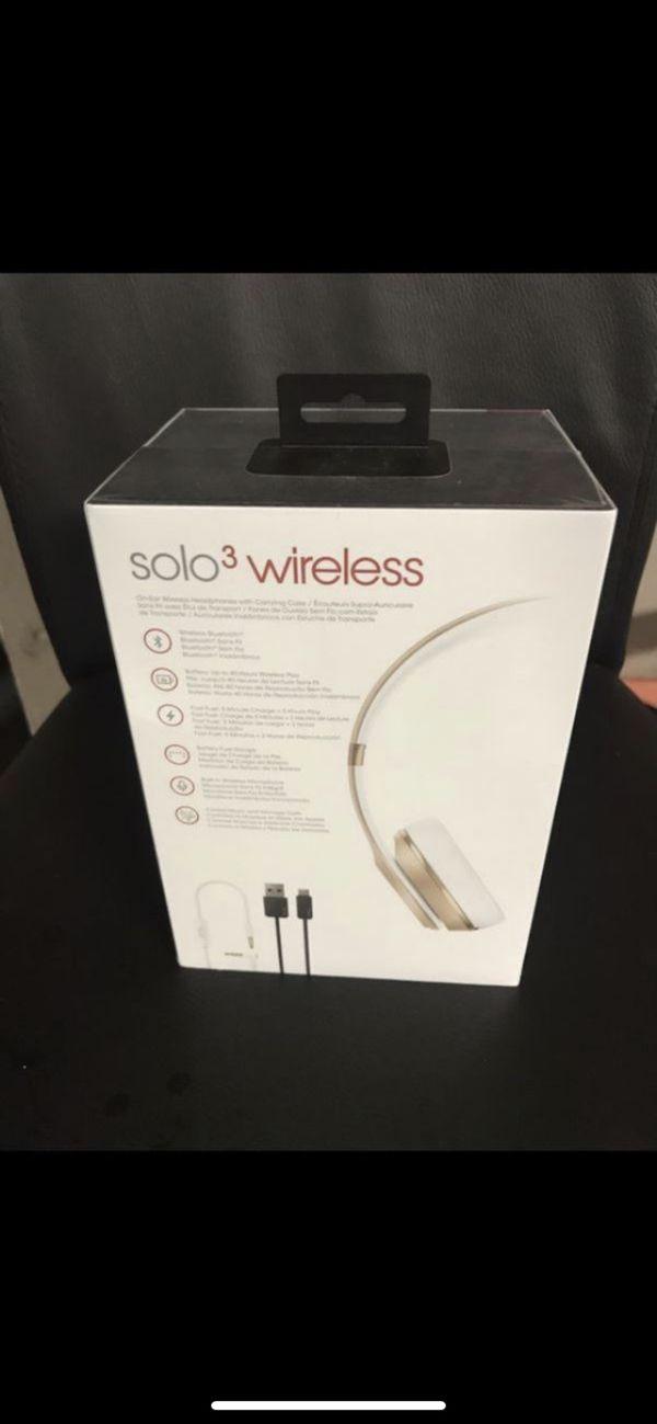 BEATS SOLO 3 WIRELESS STILL IN BOX $250