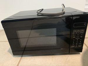 Small microwave for Sale in La Mesa, CA
