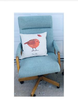 Mid Century Upholstered Swivel Teal Office Chair for Sale in Spring Valley, CA