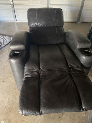Free recliner - needs repair for Sale in Huntington Beach, CA