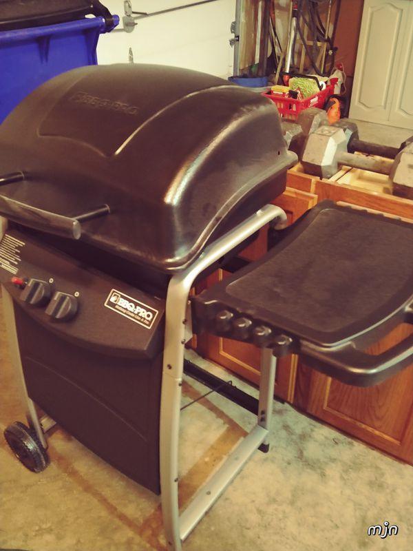 BBQ-PRO dual burner gas grill