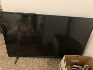 Vizo 32 inch tv. NON WORKING. FREE FOR PARTS for Sale in Lexington, KY