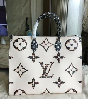 Louis Vuitton Jungle Onthego Genuine Leather for Sale in Elk Grove Village, IL
