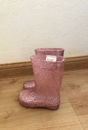 Baby girl rain boots size 4 for Sale in Mililani, HI