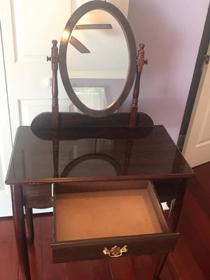 Make up table for Sale in US