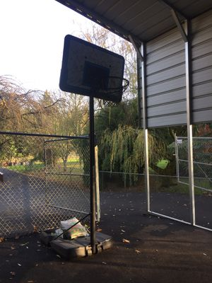 Free Basketball hoop. for Sale in Boring, OR