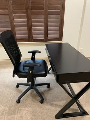 Desk and Desk Chair for Sale in Spring, TX