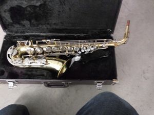 Vintage Yamaha YAS-23 saxophone with wooden case for Sale in North Little Rock, AR
