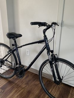 Bike Giant 700x38c New for Sale in Tacoma,  WA