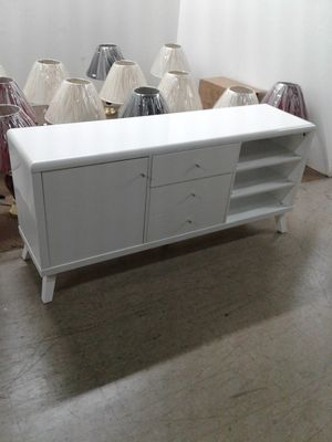 Beautiful real wood television cabinet in white, built to last, with storage. for Sale in Pembroke Pines, FL