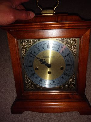 HOWARD MILLER GRAHAM BRACKET 612-437 KEYWOUND MANTEL CLOCK for Sale in Centreville, VA