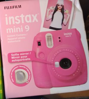 Brand new FUIJIFILM INSTAX MINI 9 Polaroid camera for Sale in Anaheim, CA