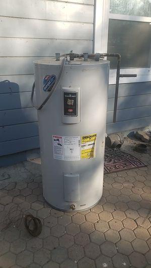Bradford white electric water heater for Sale in Sunol, CA