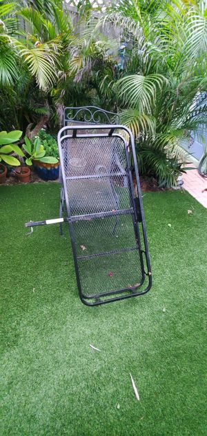 """Pro series 1"""" trailer hitch basket for Sale in Lake Worth, FL"""