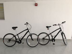 2-GLOBE CARMEL 26' bikes, Hardly used, great condition. for Sale in Indian Creek, FL