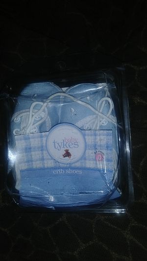 Baby Tykes Crib Shoes 0-3 Months for Sale in Tacoma, WA