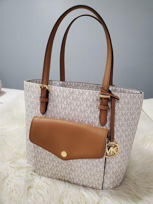 Mk bag for Sale in Broadview, IL