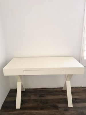 White Desk for Sale in San Diego, CA