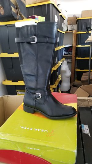 Womens boot Size for Sale in Hesperia, CA