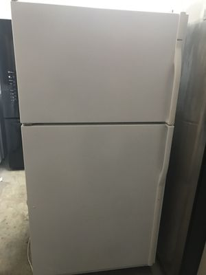 Refrigerator for Sale in West Palm Beach, FL