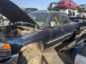 2000 GMC 1500 (parting out) for Sale in Chino, CA
