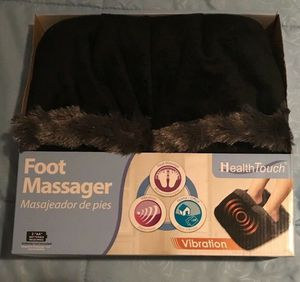 Health Touch Memory Foam Vibration Massaging Foot Massager (Black) for Sale in Beaumont, CA