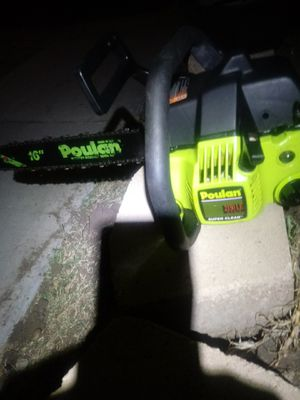 Poulan 16in reduced kickback bar chainsaw made in USA. Works Runs starts on first pull. 60.bucks o.b.o. for Sale in San Diego, CA