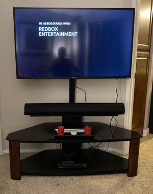 Tv stand with mount for Sale in Temecula, CA
