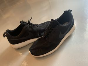 Nike Rosee roshe run size 12 for Sale in Slidell, LA